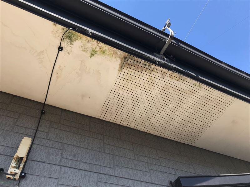 住宅軒天井(上裏)の汚れ