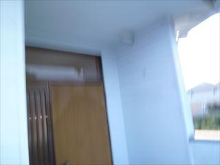 塗装前の2階玄関前外壁と天井