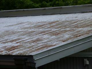 サビが多いトタン屋根
