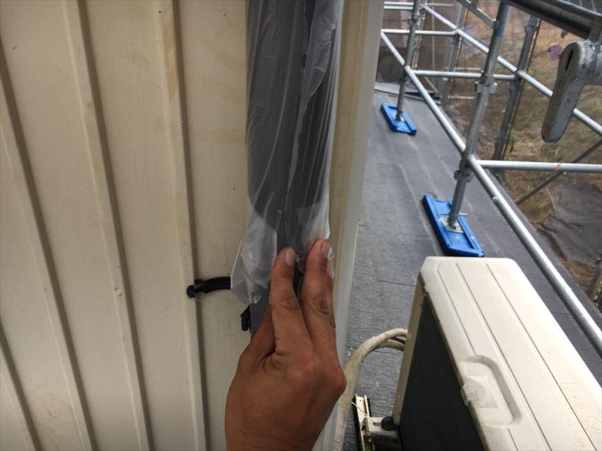 塗装前の雨樋の養生