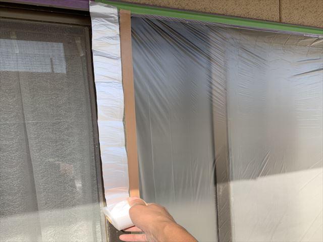 塗装工事のための養生作業