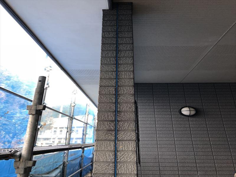 シーリングを撤去した後の外壁
