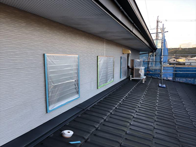 塗装工事の為の窓養生