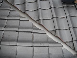 屋根板金を交換し瓦を戻した