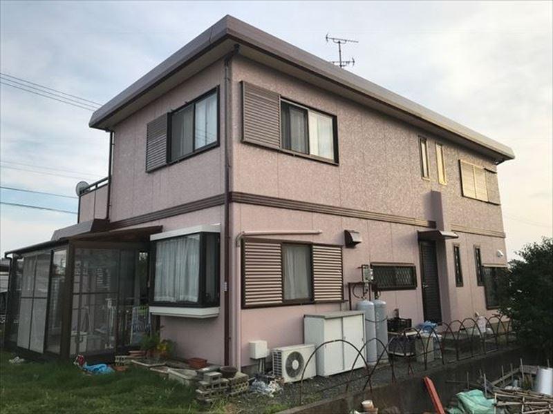 塗り替え工事後の住宅の外観