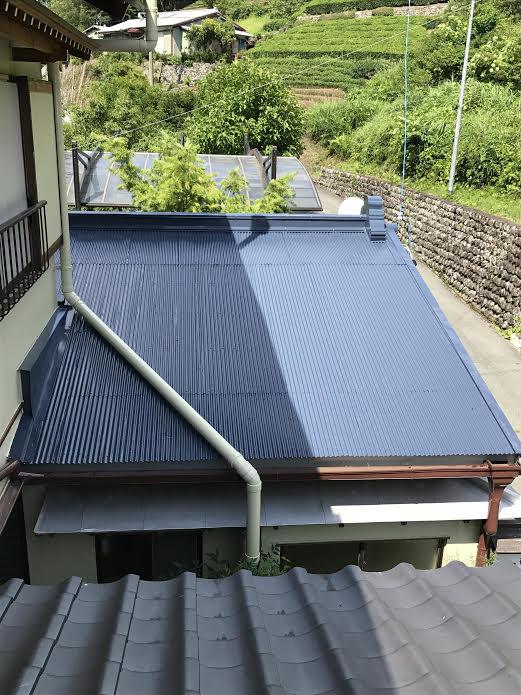 20年耐久塗料で塗り替えたトタン屋根
